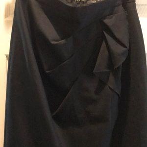 Elie Tahari Black Skirt with Front Pleats Design